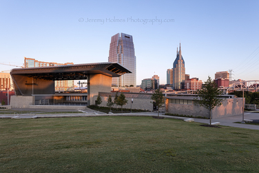 959/ Ascend Amphitheater and skyline